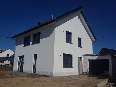 Bauen im Neubaugebiet Schlangen - Sichern sie sich jetzt ein Klassisches Einfamilienhaus