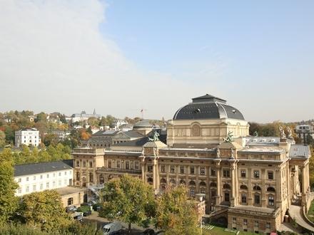 Neubau/ Erstbezug: 3-Zimmer-Wohnung mit Blick auf das Staatstheater