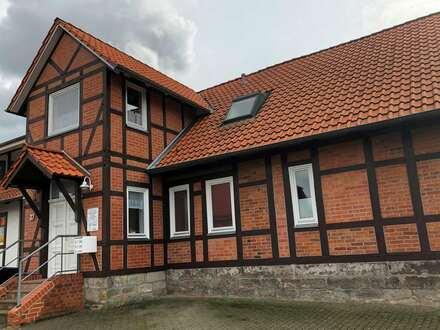 3 Zimmer-Dachgeschosswohnung im sanierten Fachwerkhaus in WOB-Reislingen