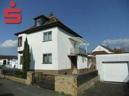 Einfamilienhaus mit separater Wohneinheit in Bürstadt