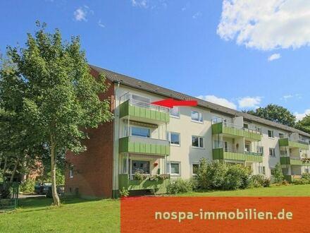 3-Zimmer-Eigentumswohnung im 2. Obergeschoss mit sonnigem Balkon und PKW-Stellplatz in FL-Mürwik!