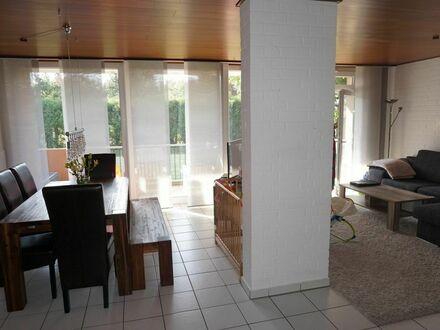ARNOLD-IMMOBILIEN: Erdgeschoss-Wohnung mit großem Balkon