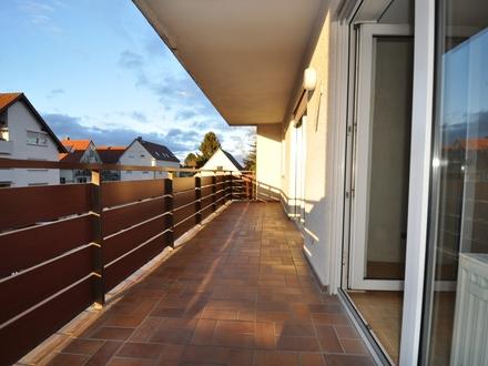 4,5 Zimmer mit zwei Tageslichtbädern, Balkon und Kfz-Stellplatz