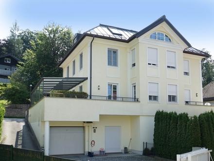 URBANE VILLA MIT LICHTBLICK! Edle Stadtvilla in einer der beliebtesten Wohnlagen!