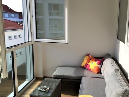 Schicke, lichtdurchflutete 2 Zimmer-Wohnung mit Wintergarten im Univiertel - barrierefrei