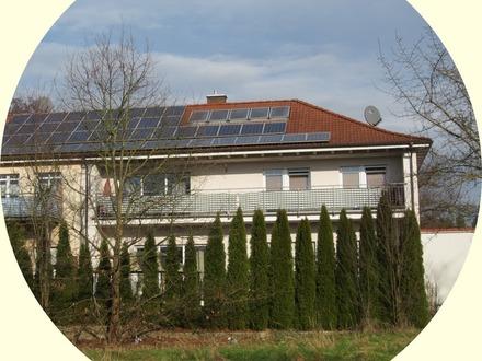 *** Moderne Haushälfte mit zwei großen Wohnungen - Balkon und Terrasse ***