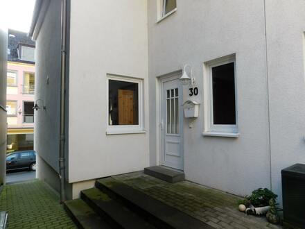 Zentrale moderne Wohnung über 2 Ebenen in 24837 Schleswig / Lollfuß