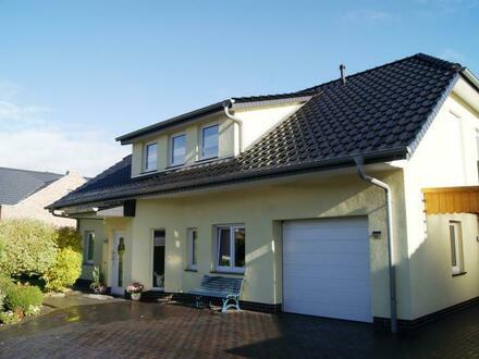 Einziehen und wohlfühlen! Neuwertiges Einfamilienhaus in Cloppenburg