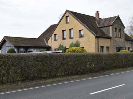 Einfamilienhaus mit großer Einliegerwohnung in Leopoldshöhe