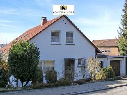 Freistehendes 1-3 Familienhaus mit großem Garten, in schöner Lage von Herrenberg - sofort frei!