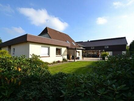 Ehemaliger Resthof mit 3 modernisierten Wohnungen auf großem Grundstück