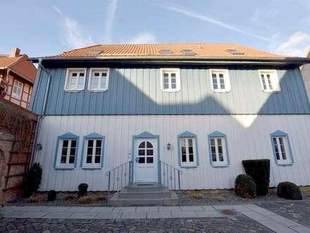 Schöne Hofanlage mit 2 Bürohäusern + kl. Archivhaus....