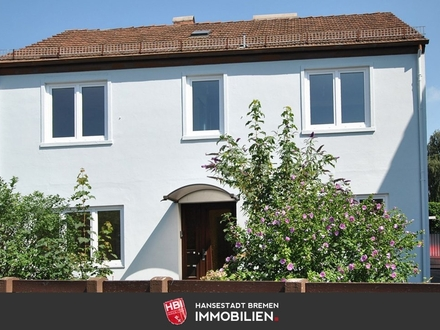 Oslebshausenen / Attraktives Mehrfamilienhaus mit 3 sanierten Wohnungen auf großem Grundstück