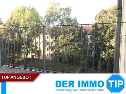 Lichtdurchflutete 3 Zimmerwohnung mit Balkon in Bernsdorf mieten