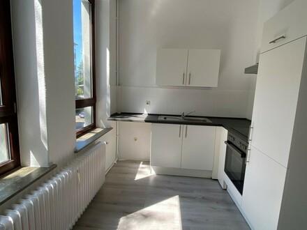 Komplettsanierung: 2-Zimmerwohnung in toller Lage, 1. OG mitte, Deb.-Nr. 20804