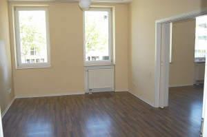 4-Zimmer-Wohnung in zentraler Lage, 1. OG
