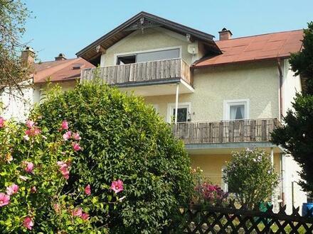 Zwei und Drei-Zimmer- Etagenwohnungen, in charmanten Altbauvilla 19. Jahrh. Traunstein/ Ettendorf