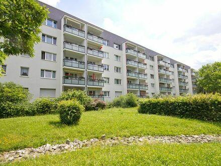 Nachnutzer gesucht! Sanierte 2-Zimmerwohnung mit schönen Balkon