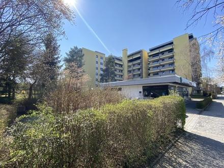 Kieferngarten: Gepflegte 3-Zimmer Wohnung im 4. OG mit zwei Balkonen -mit Lift-