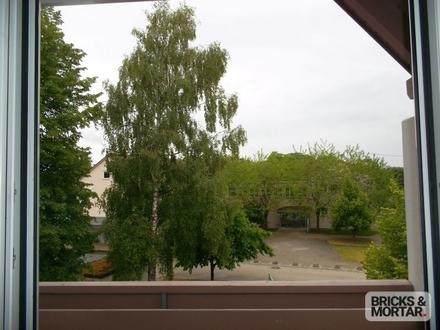 TOP-geplegte 4-Zimmer-Dachgeschosswohnung mit Balkon, TG-Stellplatz inklusive