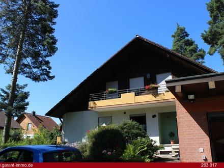 Einfamilienhaus mit Einliegerwohnung und Schwimmbad am Waldrand von Neuendettelsau