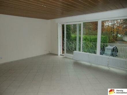 Gepflegte 3 Zimmer Wohnung mit frisch renoviertem Badezimmer in Bielefeld Sennestadt!