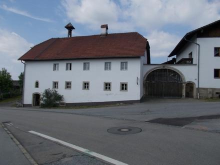 """""""Unikat"""" Bauernhaus mit Nebengebäuden in 94124 Büchlberg"""