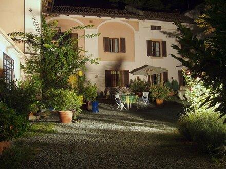 Romantisches Weingut, Pool, 6 Gästezimmer, 2 Wohnungen, traumhafter Panoramablick