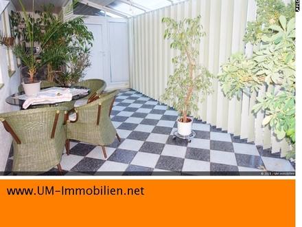 Sehr gepflegtes, großzügiges EFH in Schnaitsee mit schön angelegtem Garten und Garage
