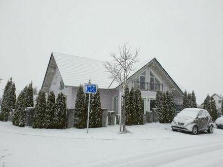 Eigenheim und Büroeinheit mit Finanzierungsressourcen