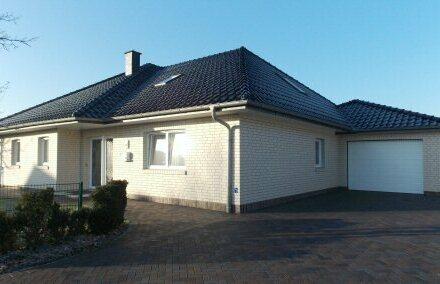 Neuwertiger, top gepflegter Bungalow mit Garage in Rhauderfehn, www.deWeerdt.de