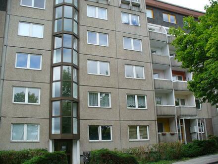 Preiswerte 2 Raum Wohnung - zentrumsnah mit Wanne und Balkon