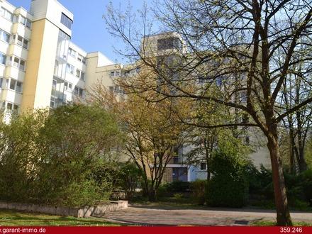 TOP renovierte und gut geschnittene 3 1/2 Zimmer-Wohnung mit Balkon