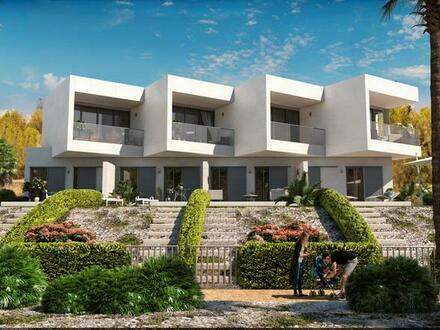 Cala Murada – Neubau-Reihenvillen mit 3 SZ oberhalb vom Strand