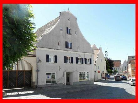 Wohn- und Geschäftshaus im historischen Zentrum von Vohburg