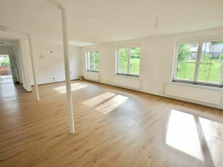 Klagenfurt - Viktring: Modernisierte 4-Zi-Wohnung im 1.OG eines Zweifamilienhauses mit Terrasse