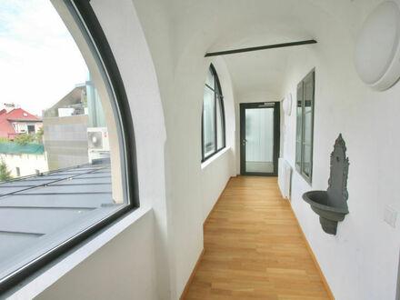 Klagenfurt - Innere Stadt: Besondere 145 m² Mietwohnung mit kleiner Loggia im 1.OG vis-á-vis der City Arkaden