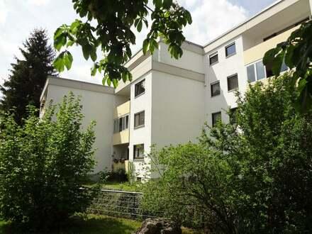 Lichtdurchflutete 4-Zimmer-Wohnung in zentraler Lage in Blaubeuren