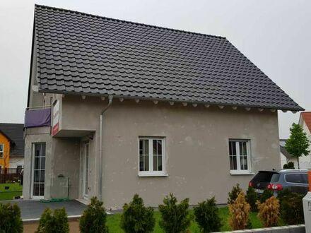 Neuwertiges Einfamilienhaus zum sofortigen Einzug in Gensingen