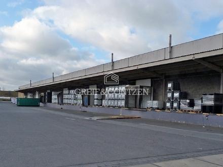 Logistikfläche mit Rampenandienung
