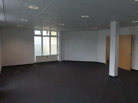 EG-Gewerbefläche als Büroräume oder Praxis in Audi Nähe