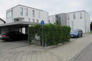 sehr schöne neuwertige 3-Zi. Wohnung m. Balkon (edel verglast) Einzelgarage, Stellplatz u. Kellerraum -hochwertige Ausstattung…