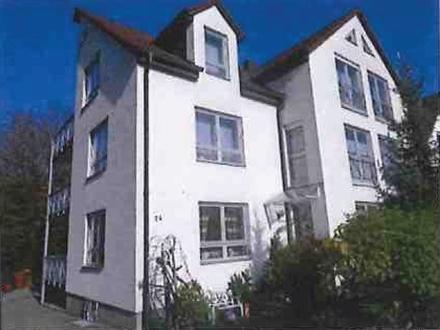3 ZKB 88 m² 08/18 670,- 200,- zzgl. Gögg., Bj. 92, ZH, WoKü, EBK, Abstellraum,...