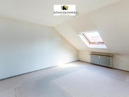 3-Zimmer-Dachgeschosswohnung mit kleinem Balkon und Garage in begehrter Lage