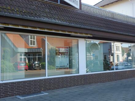 ROSE IMMOBILIEN KG:Ladenlokal gegenüber Fachmarktzentrum