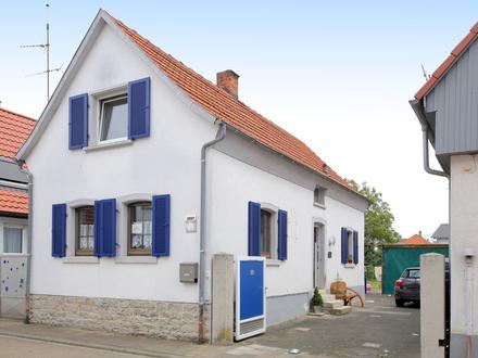 Zauberhaftes kleines Haus mit Hof, Garten und Vergrößerungspotential