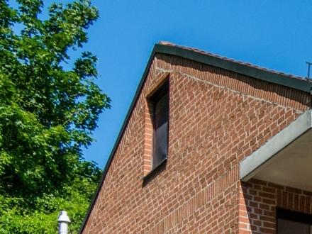 1-Zimmer-Single-Dach-Wohnung mit einfacher Kochgelegenheit im Landshuter Ämterviertel