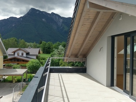 ein Südbalkon und eine Terrasse mit herrlichem Blick