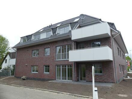 Neubau-Erstbezug: Helle Zwei-Zimmer Wohnung mit Einbauküche und Terrasse in Kattenturm