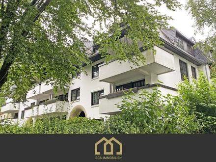 Schwachhausen / Moderne 3-Zimmer-Wohnung mit Loggia, Kamin, Fahrstuhl und Einbauküche.